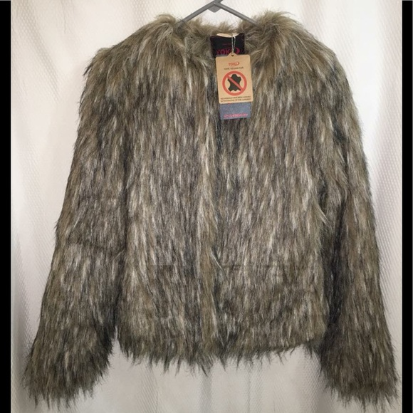 100/% Vegan Fur Yoki Sherpa Trimmed Hooded Zip Jacket